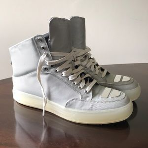 Alejandro Ingelmo Textured Gray 12M hi Top Sneaker